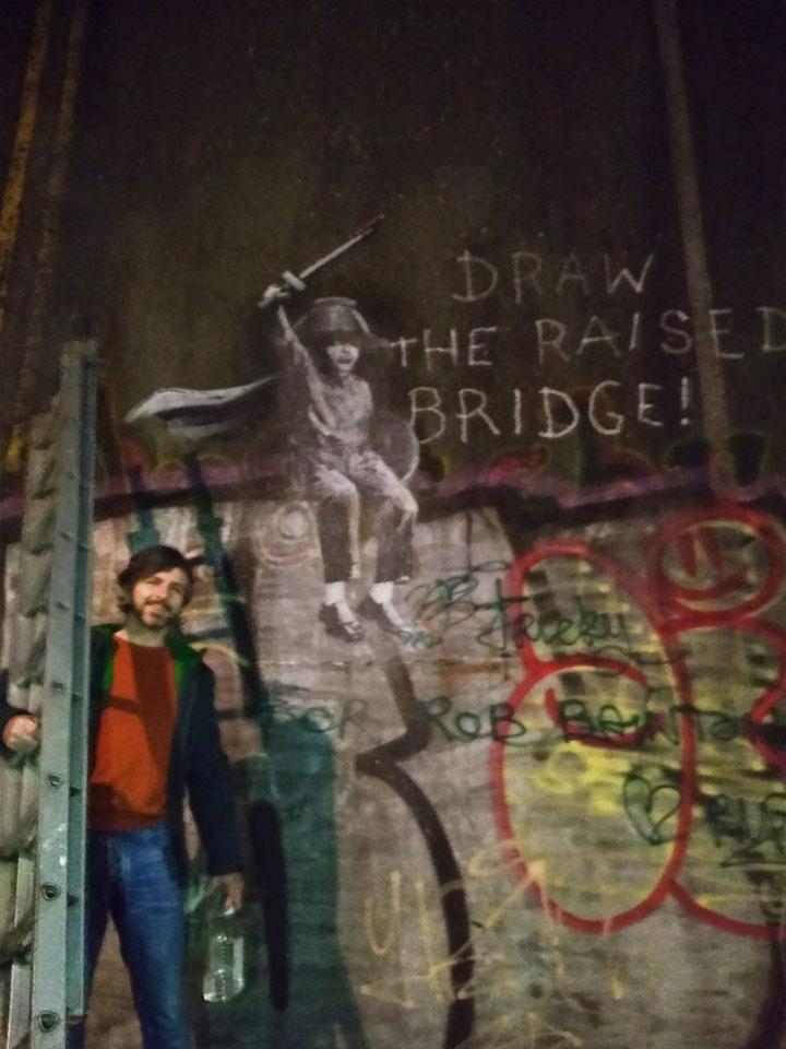Jason Fanthorpe banksy hull fresque pont sauvetage graffiti - Une œuvre de Banksy sauvée in-extremis par un laveur de vitre