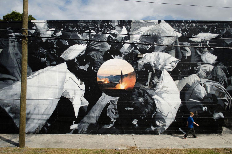 axel void street art typographie - L'artiste Axel Void peint la noirceur et la beauté du quotidien sur les murs