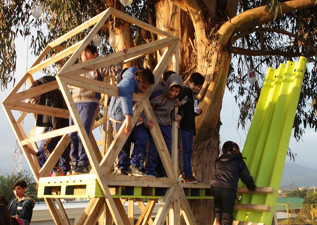 basurama cabane chili cecrea installation La Ligua - Le collectif Basurama fait du recyclage un art véritable