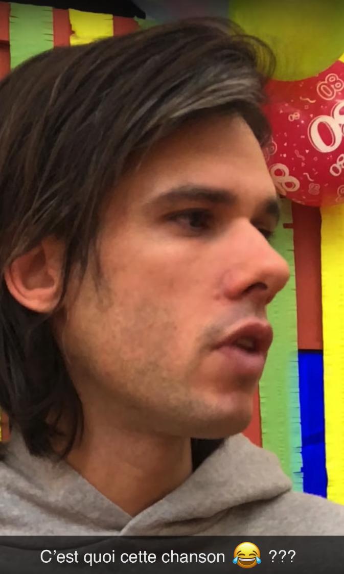 """defaitedefamille clip orelsan story 16.34.45 - Rappeur, réalisateur et acteur, OrelSan incarne 27 personnages dans le clip """"Défaite de famille"""""""