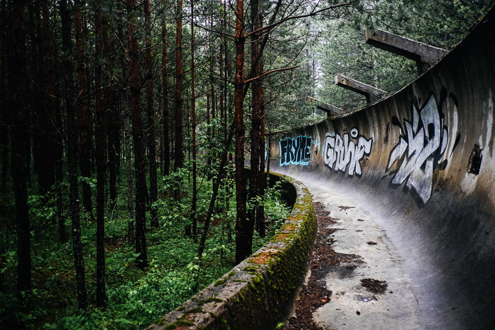 foret bobsleigh piste jo urbex - Berlin, Sarajevo, Athènes : les sites des Jeux Olympiques version urbex