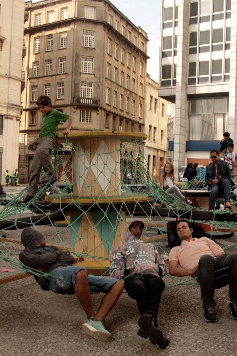intervention urbaine mobilier basurama sao paulo - Le collectif Basurama fait du recyclage un art véritable