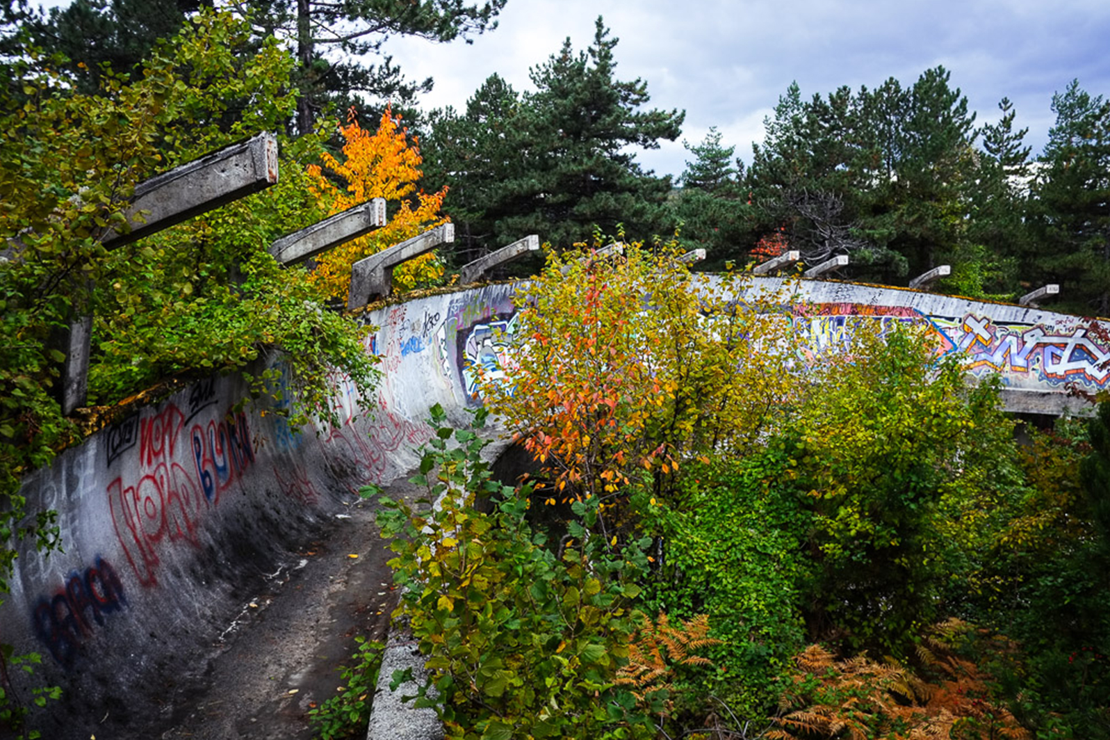 jo sarajevo bobsleigh piste abandon - Berlin, Sarajevo, Athènes : les sites des Jeux Olympiques version urbex