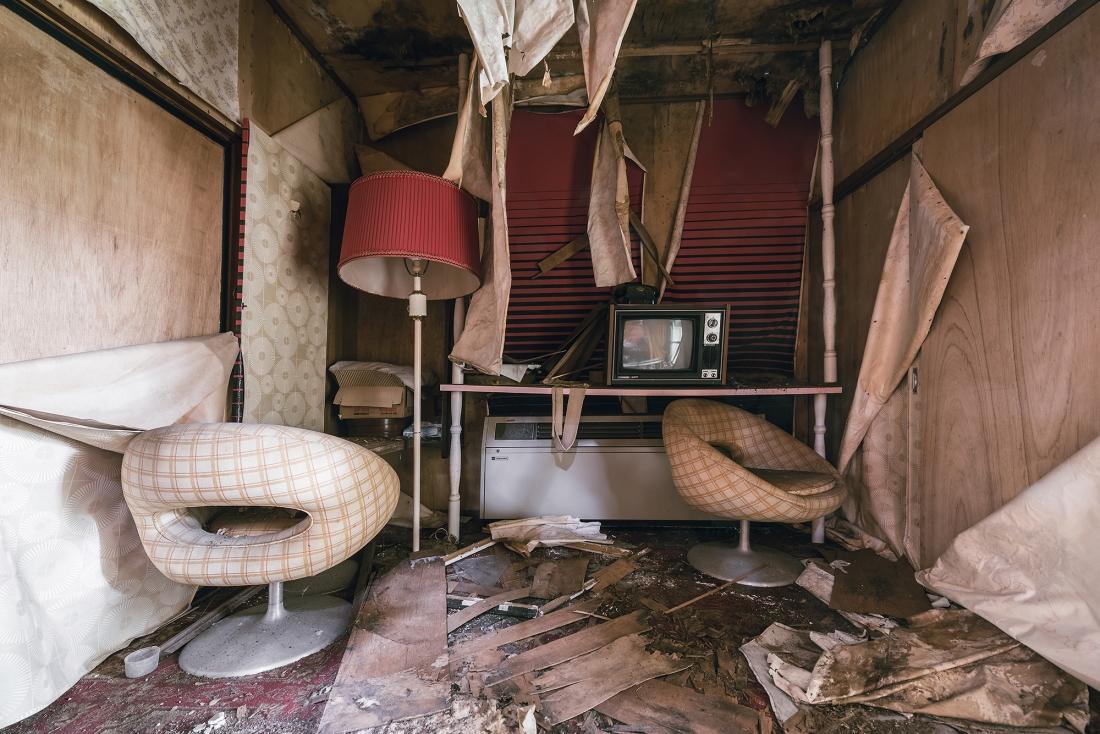 """love hotel formicaBobThissen - Urbex : dans l'étrange intimité d'un """"love hotel"""" japonais abandonné"""
