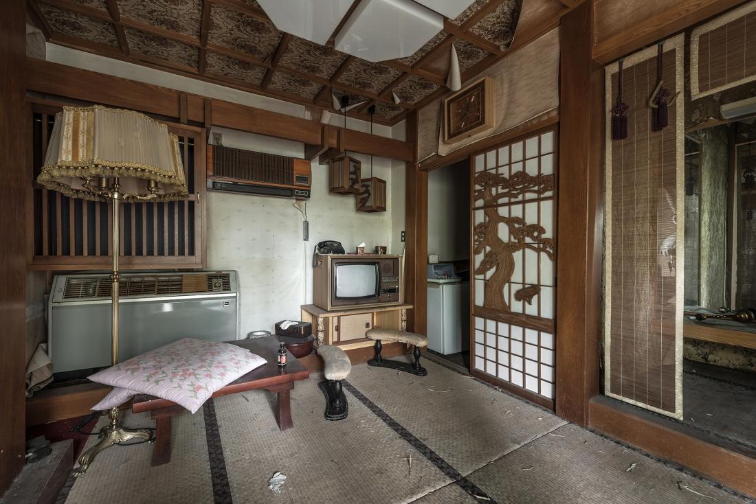 """love hotel panneauxBobThissen - Urbex : dans l'étrange intimité d'un """"love hotel"""" japonais abandonné"""