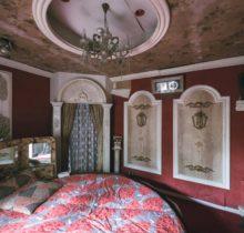 Urbex : dans l'étrange intimité d'un «love hotel» japonais abandonné