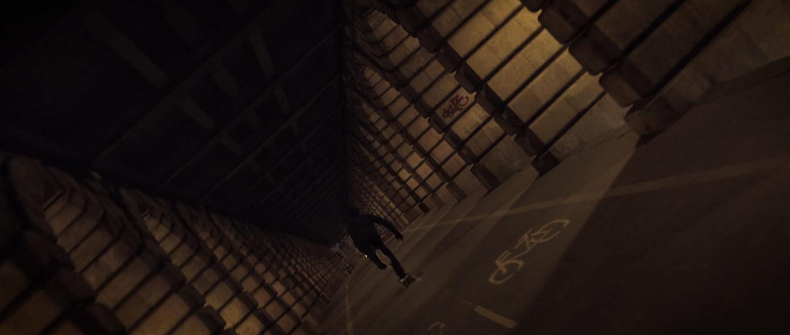 """unwordable antoine plainfosse skateur film - """"Unwordable"""", un film de skate qui explore Paris et sublime son architecture"""