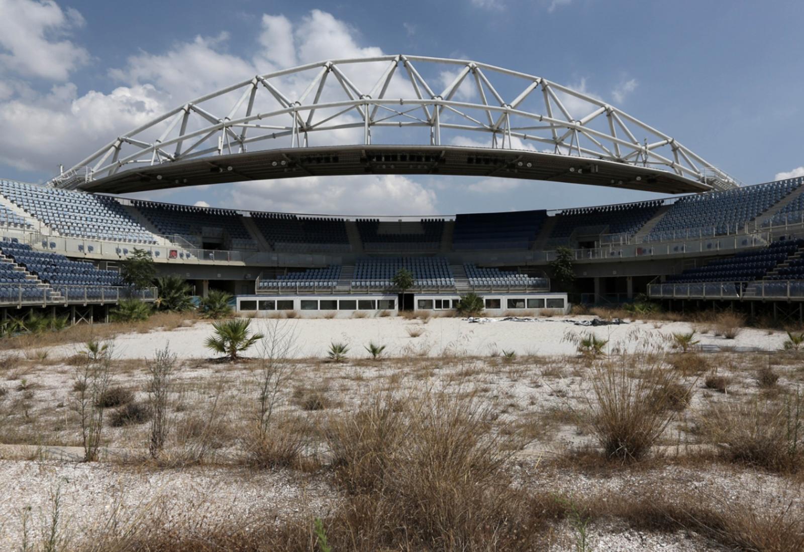 urbex jeux olympiques athenes 2004 1 - Berlin, Sarajevo, Athènes : les sites des Jeux Olympiques version urbex