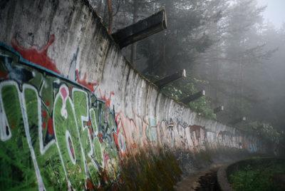 urbex sarajevo piste bobsleigh jo 400x268 - Berlin, Sarajevo, Athènes : les sites des Jeux Olympiques version urbex