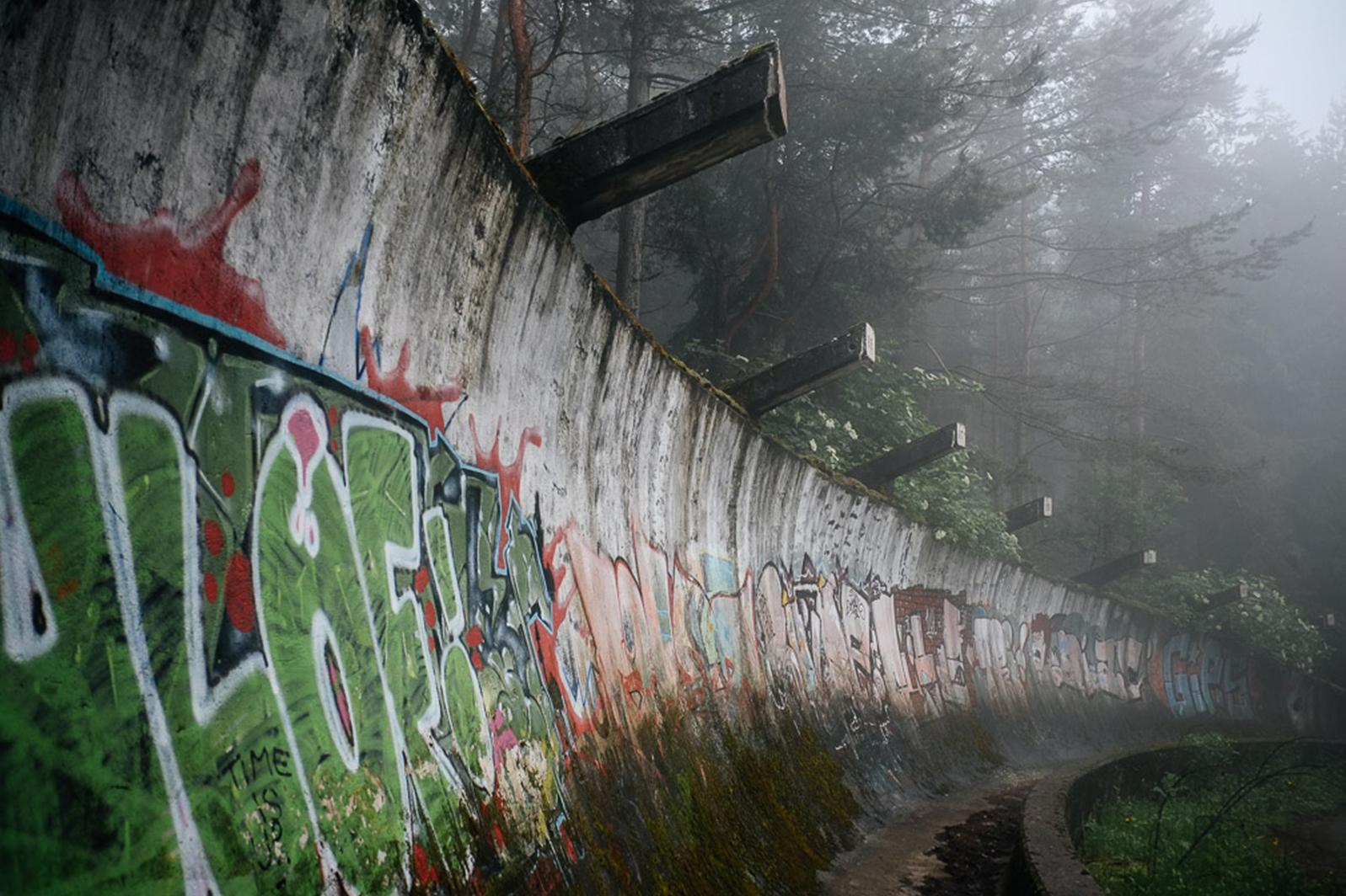 urbex sarajevo piste bobsleigh jo - Berlin, Sarajevo, Athènes : les sites des Jeux Olympiques version urbex