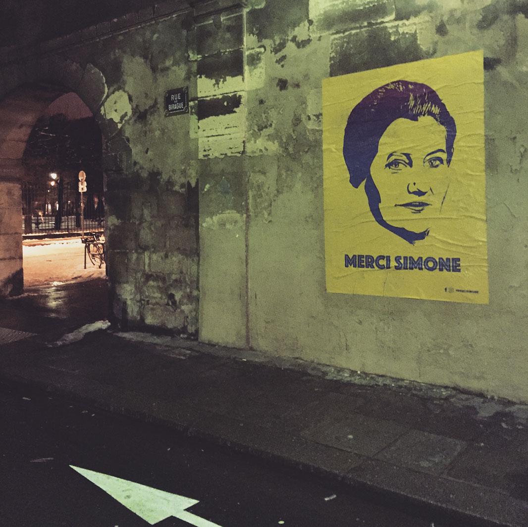 collectif street art merci simone - Merci Simone, le collectif qui affiche Simone Veil sur les murs de la ville