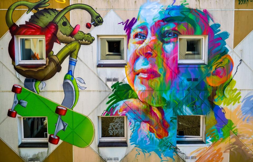 exposition open graf hotel roche sur yon f1 ephemere street art franais couleurs s billet - Un collectif transforme un ancien hôtel F1 en une exposition de street art