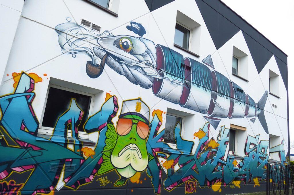 exposition open graf hotel roche sur yon f1 ephemere street art franais poisson SH - Un collectif transforme un ancien hôtel F1 en une exposition de street art