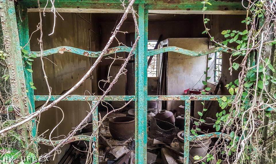 hk urbex ile fantome ruine - Le collectif HK Urbex immortalise les lieux oubliés de Hong-Kong