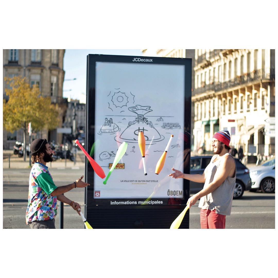 oboem JCdecaux bordeaux affichage pub art dollar - Coup de pouce RADAR x Ulule : Ôboem veut transformer l'affichage publicitaire en galerie d'art