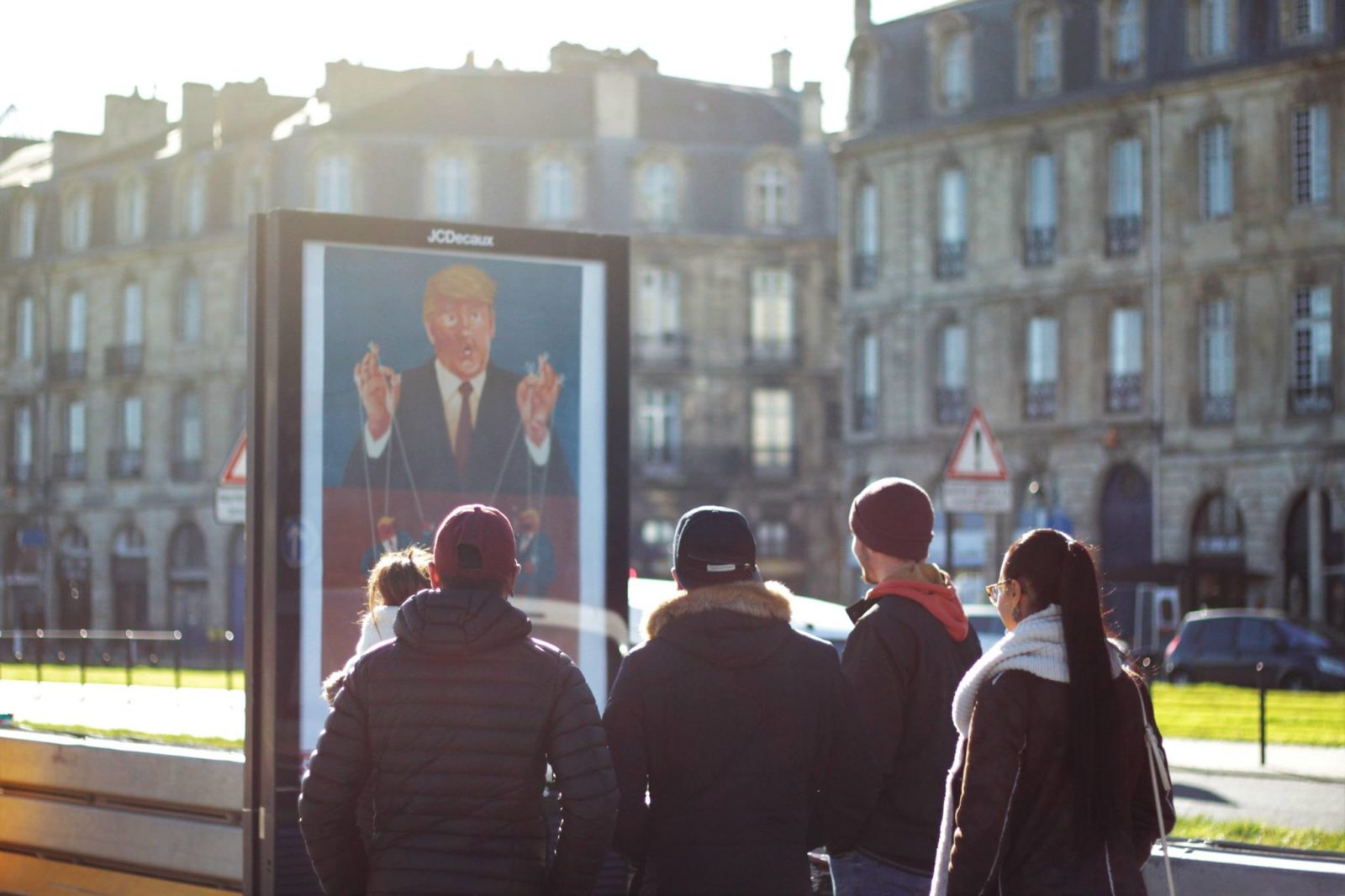oboem JCdecaux bordeaux affichage pub art trump - Coup de pouce RADAR x Ulule : Ôboem veut transformer l'affichage publicitaire en galerie d'art