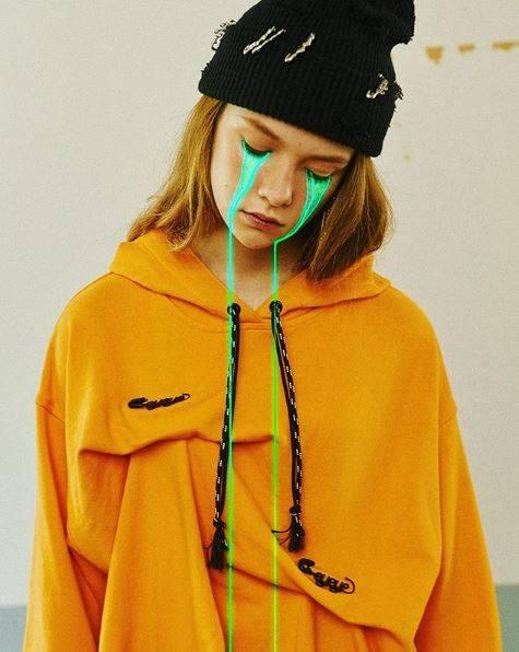 slime sunday collage fille - Focus sur les effets digitaux et les larmes fluos de Slime Sunday