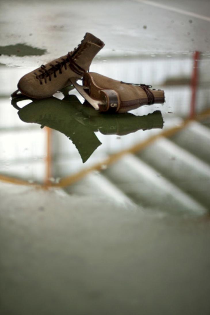 """Stevenblay photo urbex patins - """"25 Mirrors"""" : une série de photos urbex avec le miroir comme seul sujet"""