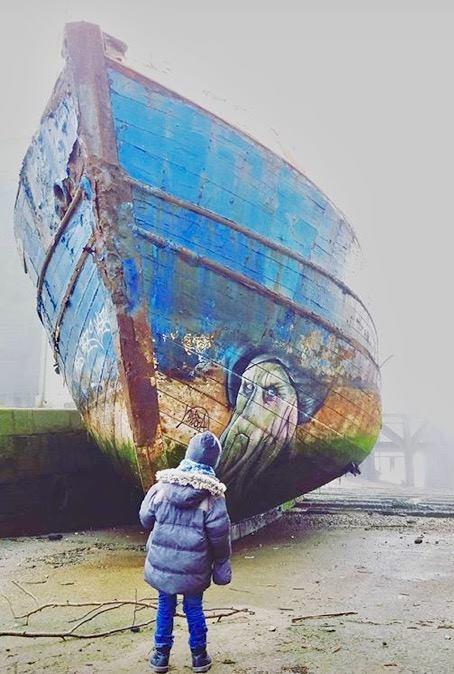 blesea coque - Les graffitis de Blesea inondent la ville (et les plages) de pop culture