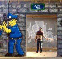 Les graffitis de Blesea inondent la ville (et les plages) de pop culture