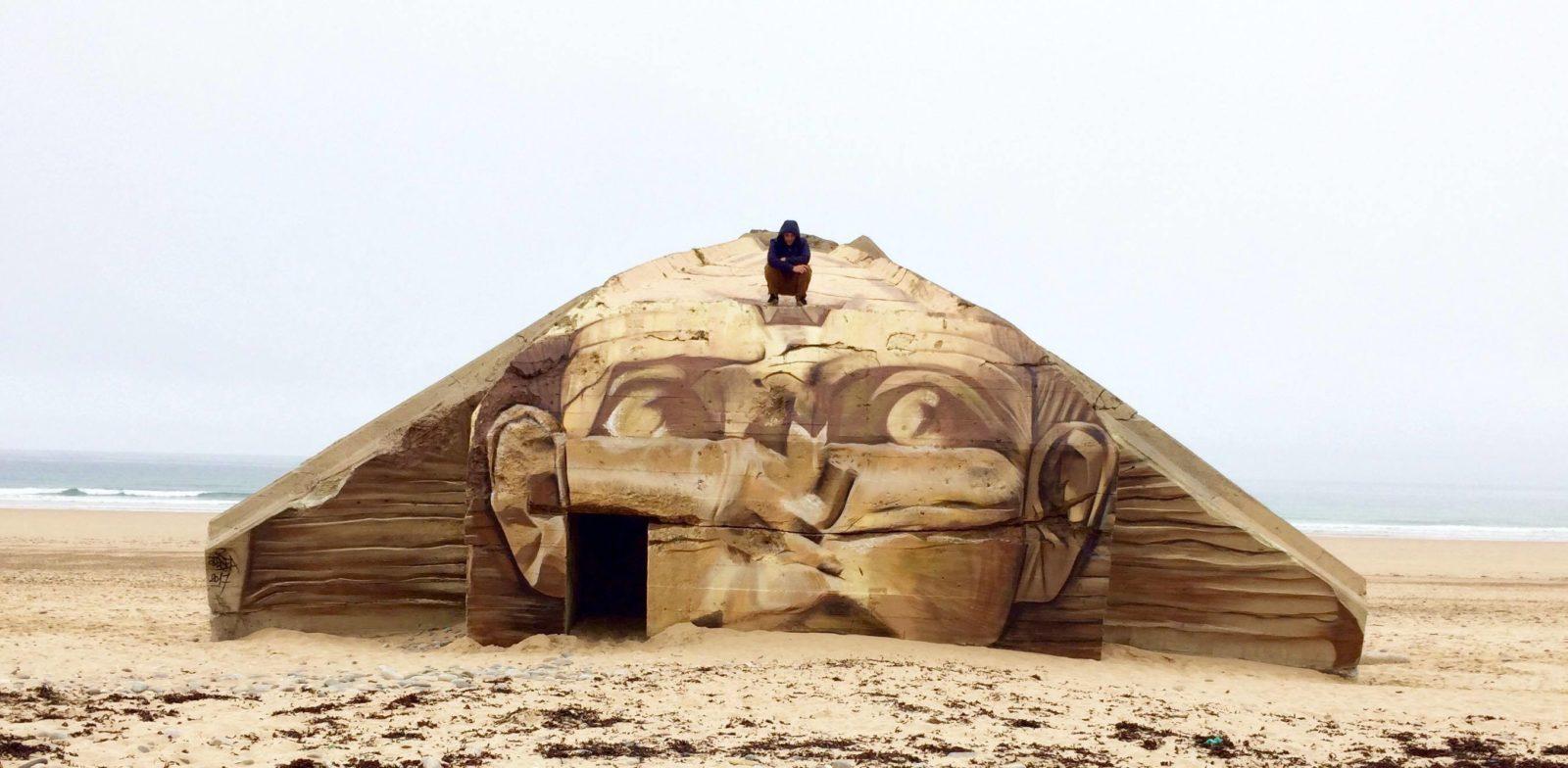 blesea sphinx - Les graffitis de Blesea inondent la ville (et les plages) de pop culture