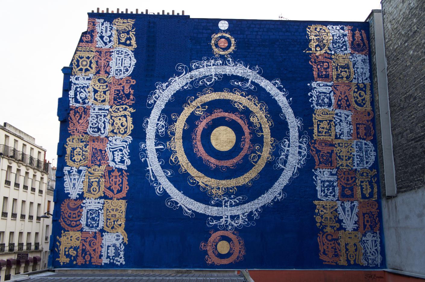 arturbain murales quai 36 mural kolossal 1 - Quai 36 invite des street artistes à colorer halls de gare et palissades de chantiers