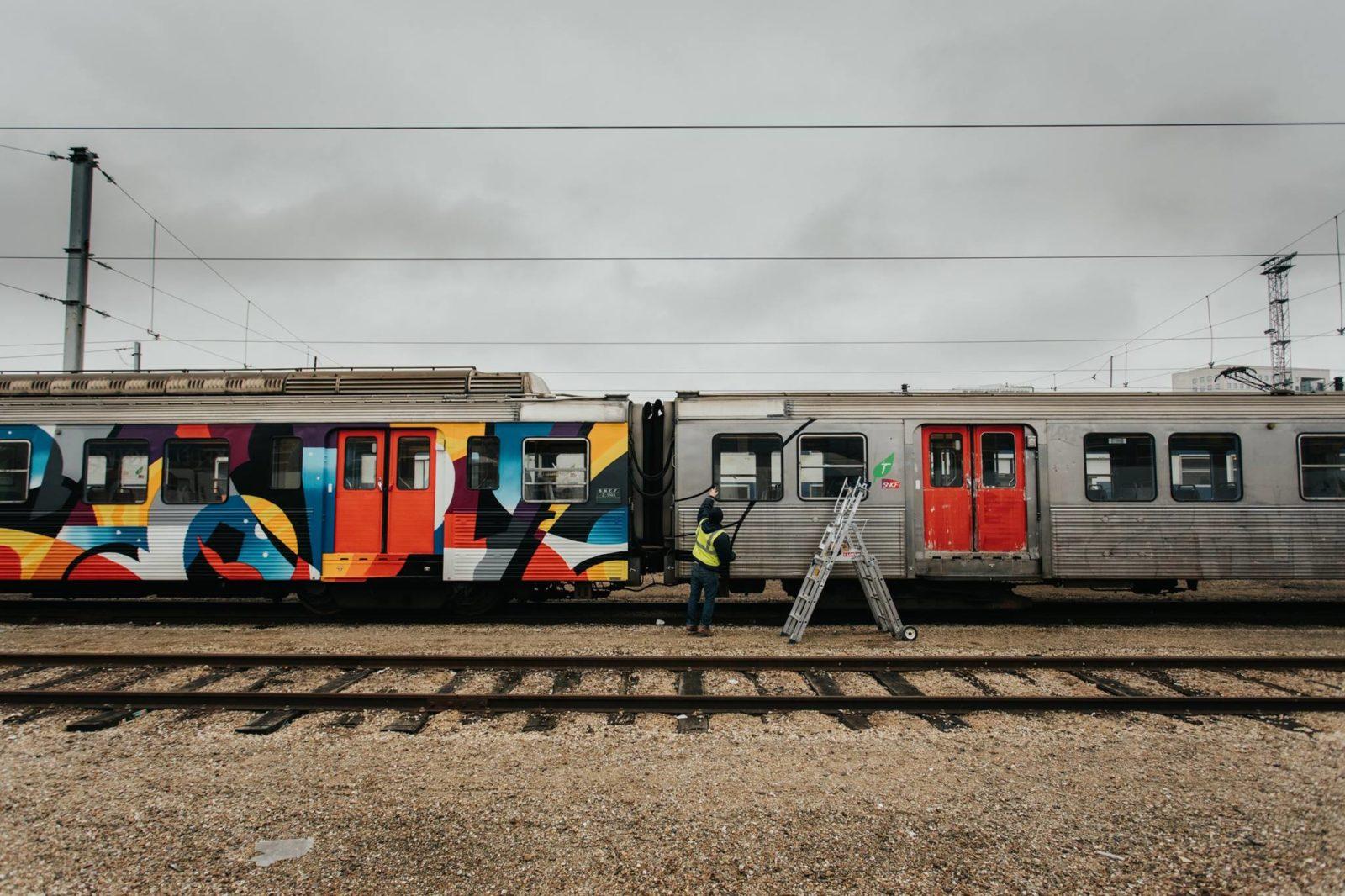 arturbain murales quai 36 train - Quai 36 invite des street artistes à colorer halls de gare et palissades de chantiers