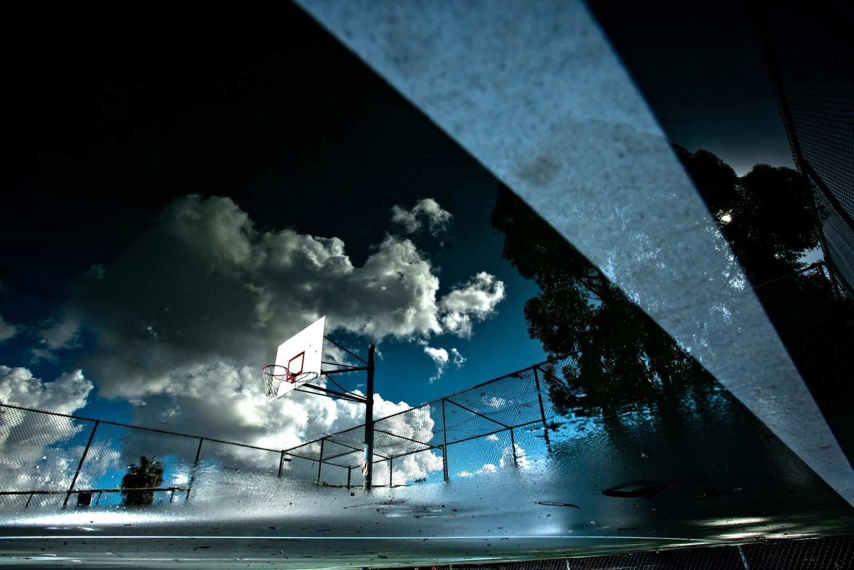 basket reflet rob hammer - Le rêve américain à travers les paniers de basket immortalisés par Rob Hammer