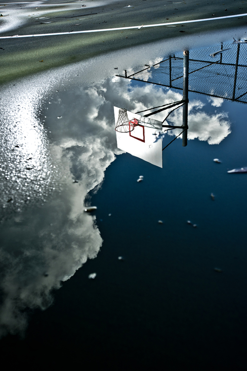basket reflet terrain rob hammer - Le rêve américain à travers les paniers de basket immortalisés par Rob Hammer
