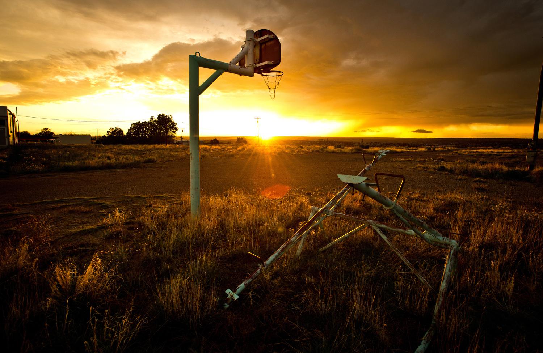 basket sunset rob hammer - Le rêve américain à travers les paniers de basket immortalisés par Rob Hammer