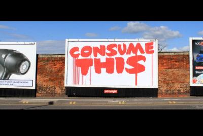 consume this blood Brandalism pub lutte arturbain 400x268 - Brandalism propose un tutoriel pour apprendre à masquer les publicités de rue
