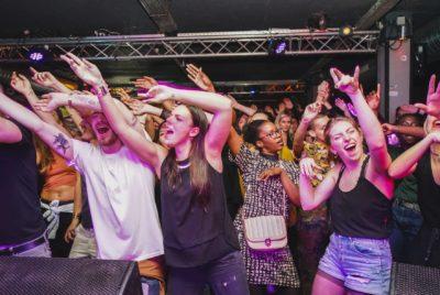 festival paris hiphop dedicatedproductions marvellous island 6 400x268 - Focus sur la scène 100 % hip-hop du festival Marvellous Island !