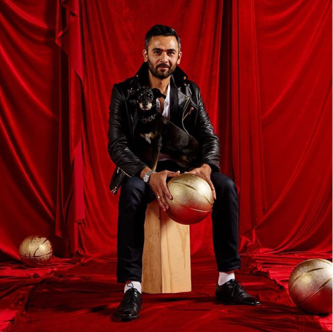 Victor Solomon Exposition art basketball luxe17 1 - Literally Balling : le sculpteur Victor Solomon transforme le basket en objet d'art