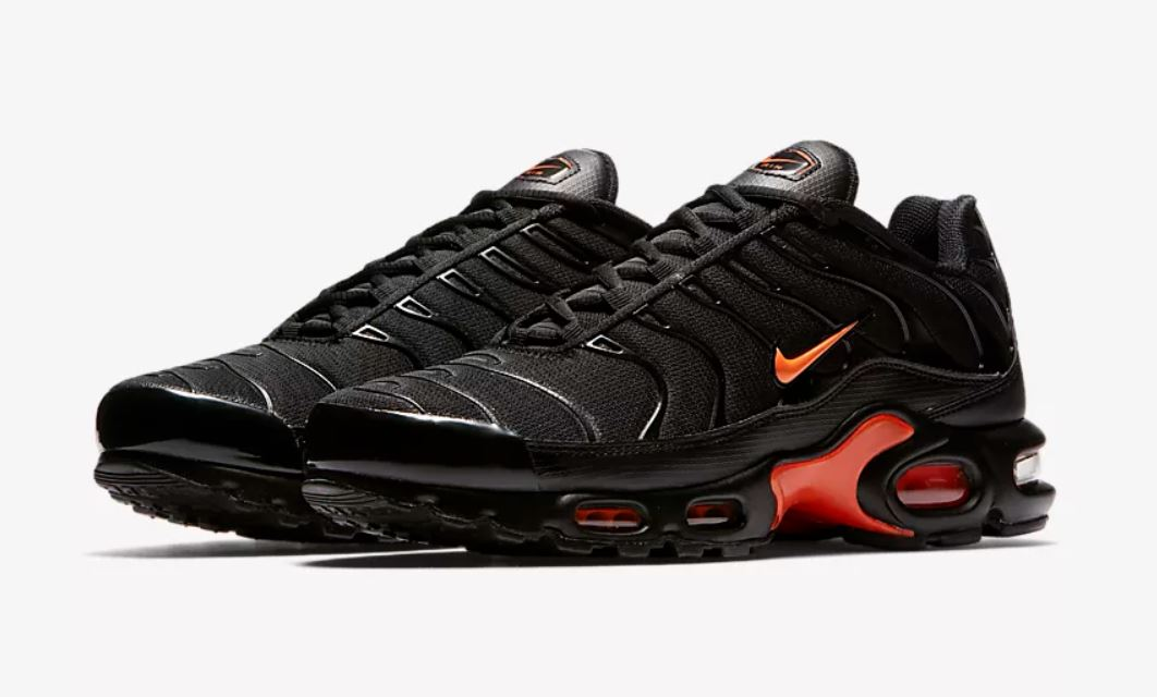 selection festival nike air max plus tn - 10 essentiels à shopper avant d'aller en festival
