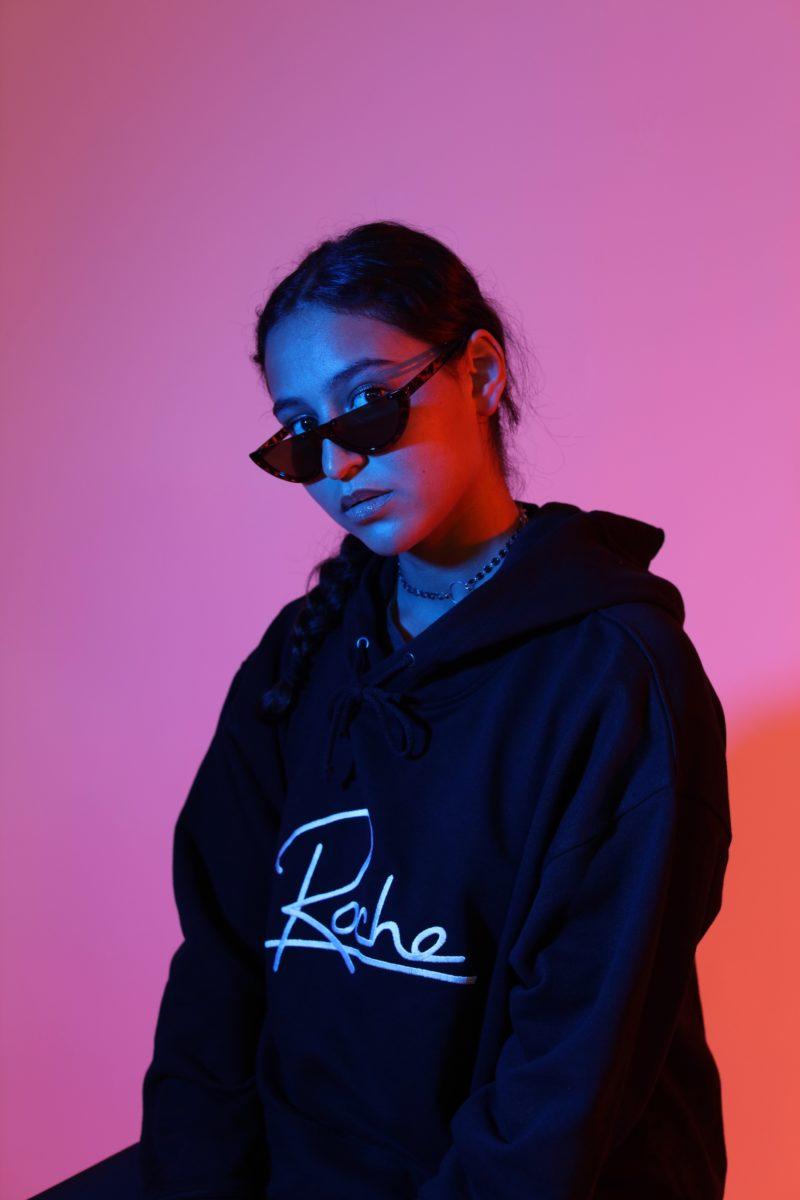 Roche Musique Merch Merchandising Streetwear electro sweat logo 2 - Le label Roche Musique lance sa première collection de streetwear