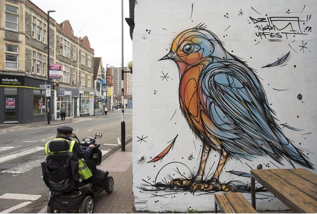 UPFEST festival street art bristol rue artiste Dzia oiseau copyright photographe Paul Box - Où partir cet été ? À la découverte des meilleurs festivals de street art en Europe