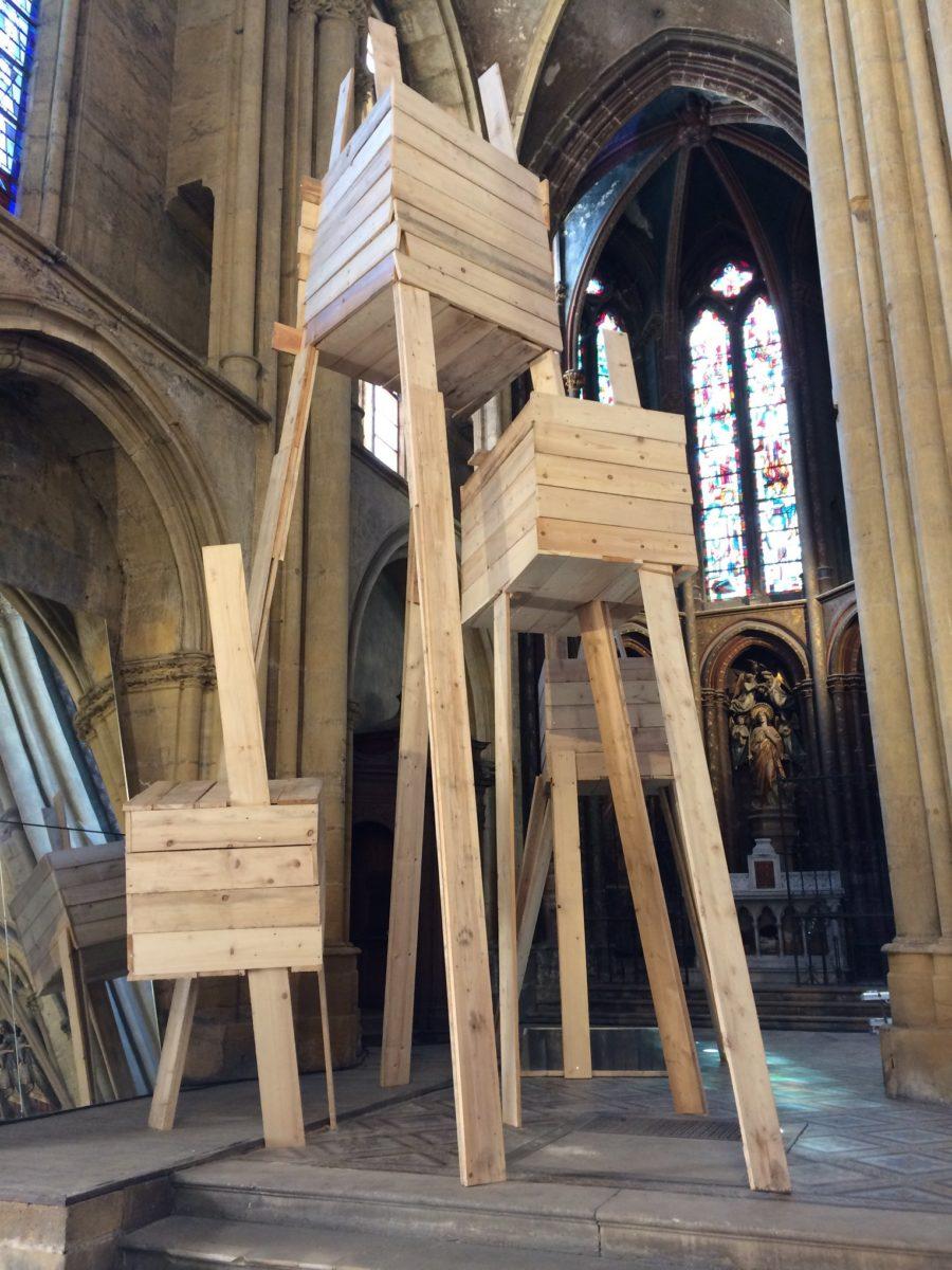aerophone expo eglise metz bois sculpture - Festival Aérophone : le street art s'approprie l'architecture médiévale
