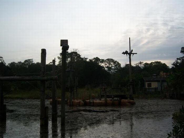Disney Rivers Country 7urbex radar exploration piscine abandon fantome - Piscines olympiques et parcs aquatiques : les plus beaux spots abandonnés