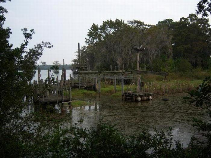 Disney Rivers Country 8urbex radar exploration piscine abandon fantome - Piscines olympiques et parcs aquatiques : les plus beaux spots abandonnés