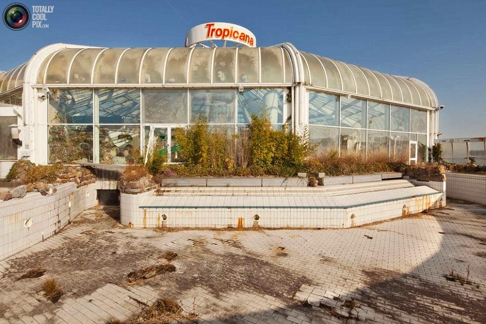 Parc Tropicana 3urbex radar exploration piscine abandon fantome - Piscines olympiques et parcs aquatiques : les plus beaux spots abandonnés