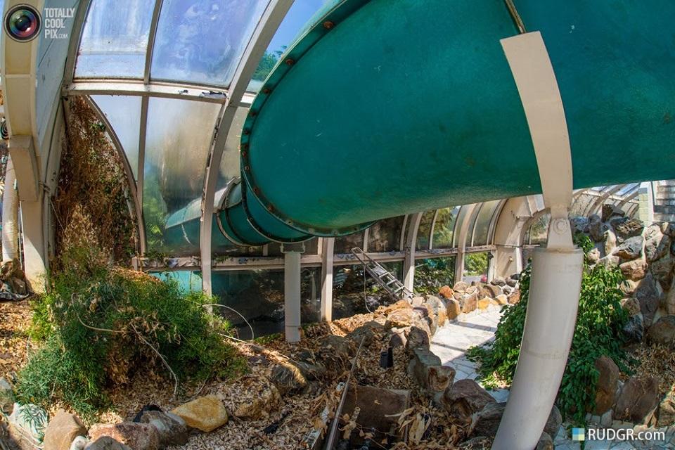 Parc Tropicana 6urbex radar exploration piscine abandon fantome - Piscines olympiques et parcs aquatiques : les plus beaux spots abandonnés