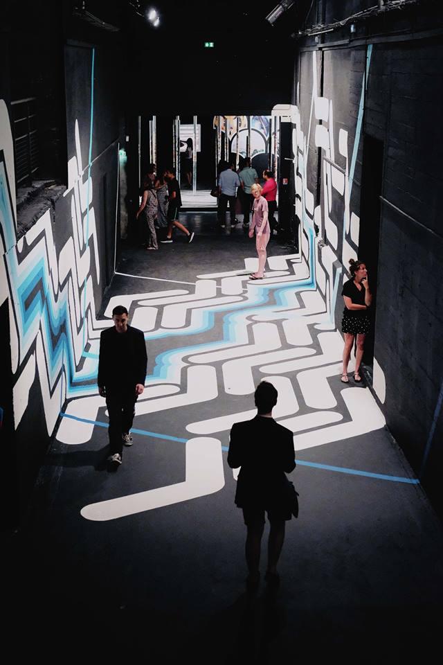 """legendes urbaines exposition base sous marine bordeaux histoire street art pochoirs - """"Légendes Urbaines"""" : le street art se déploie dans la base sous-marine de Bordeaux"""