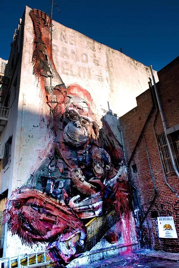 street art wide open walls sacramento californie USA festival mural recylage dechets Bordalo 2 radar - Les 10 murales les plus marquantes du festival Wide Open Walls Sacramento