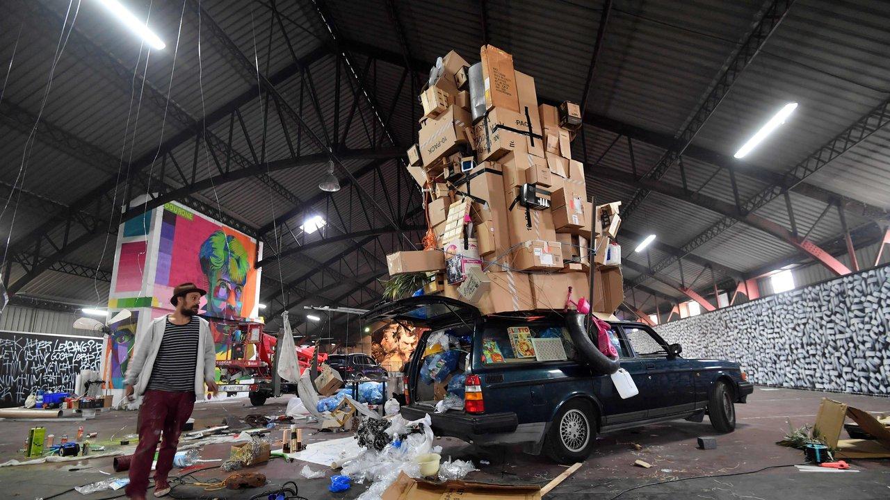 Delhaize Moliere 6 street art fresque exposition ixelles bruxelles - À Bruxelles, l'art urbain investit un ancien supermarché de 5 000 m² !