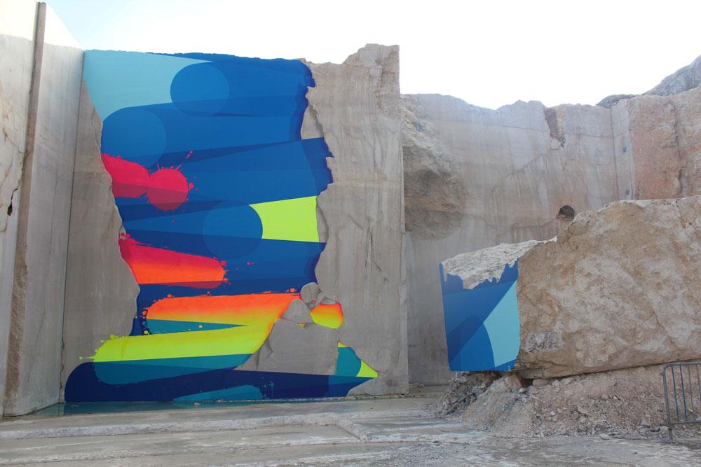 Karriere fresques streetart zest - En Bourgogne, des fresques murales monumentales réveillent une ancienne carrière !